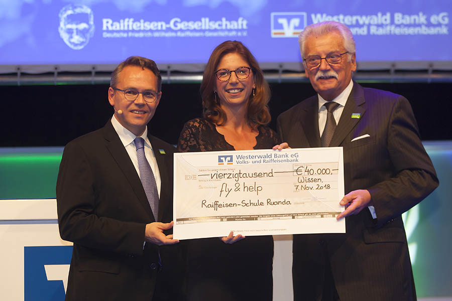 Friedrich-Wilhelm-Raiffeisen-Gesellschaft gibt gro�z�gige Spende an �Fly & Help�
