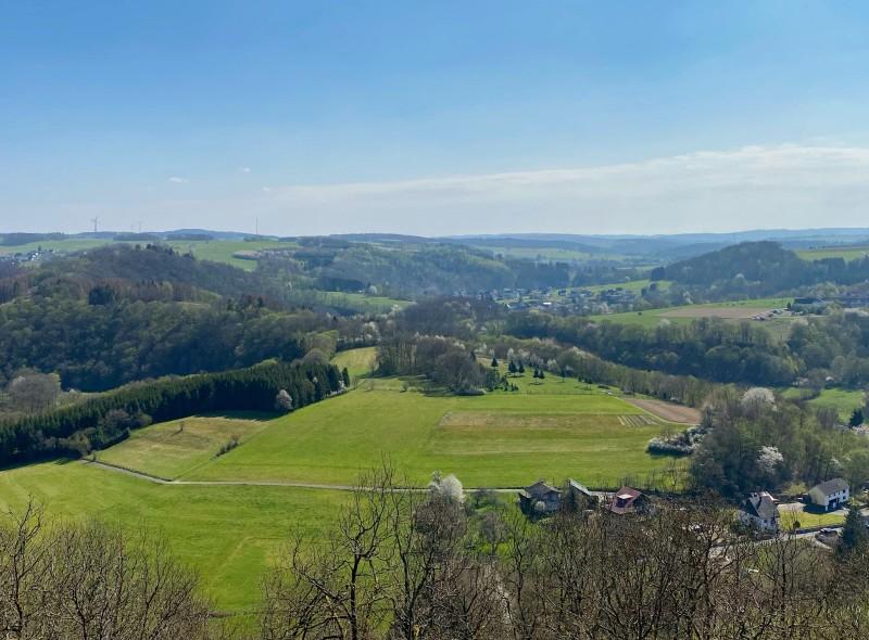 Westerwald-Tipps: Der Aussichtspunkt Sonnenberg bei Isert