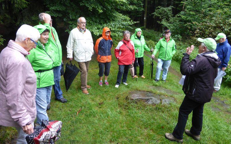 Westerwaldverein Bad Marienberg wanderte im Regen zum Elly-Turm