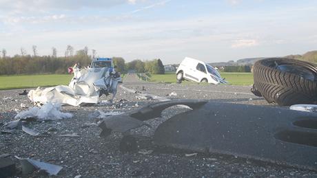 Schwerer Verkehrsunfall mit tödlichem Ausgang auf der B 54 bei ...